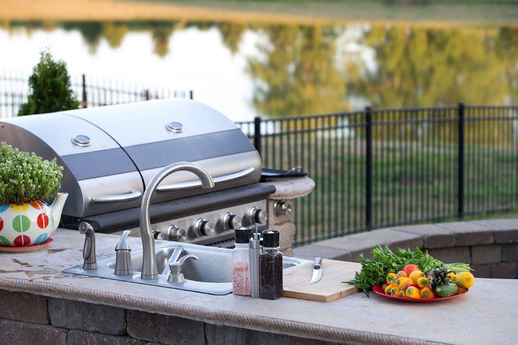 5 Essential Appliances Your Outdoor Kitchen Needs - K&D Landscaping